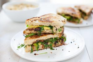 Grilled-Cauliflower-Hummus-Sandwich-3-2